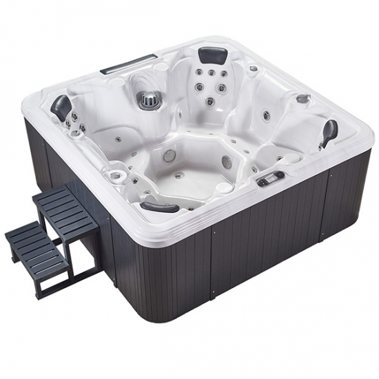 outdoor hot tub spa